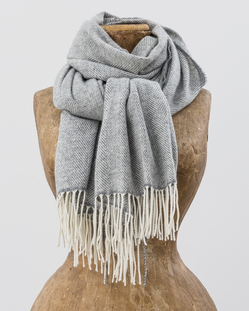 Cashmere Wool Sandymount Scarf in White and Grey