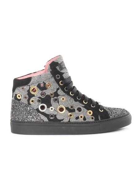 Hohe Sneakers aus Makramee und Glitzer