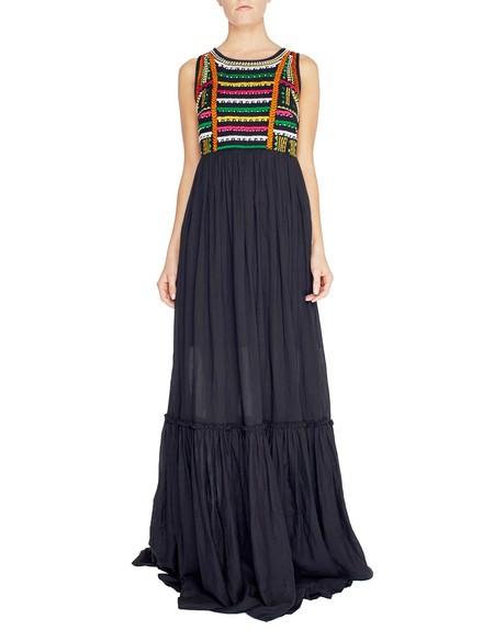 Langes Kleid aus Viskose mit ethnischen Motiven