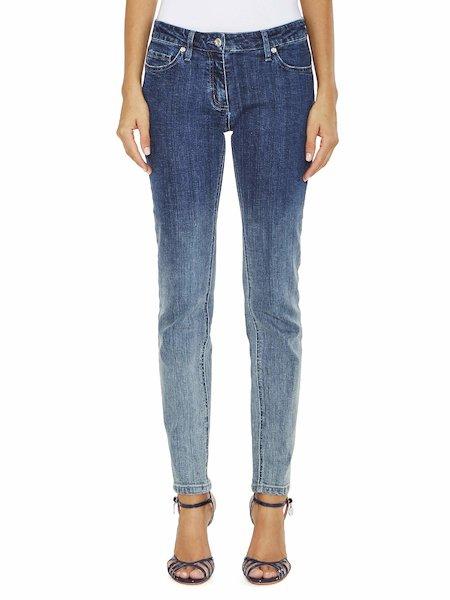 Ausgewaschene Jeans