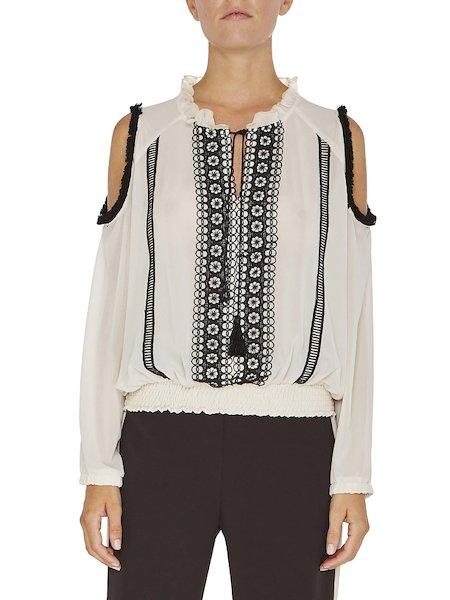 Блузка с длинными рукавами и кружевом
