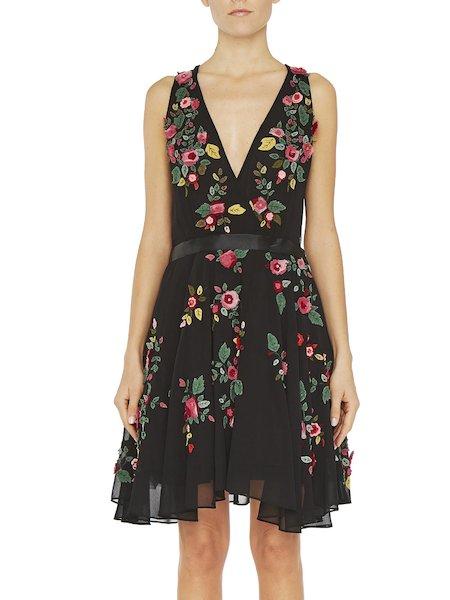 Платье с вышитыми розами