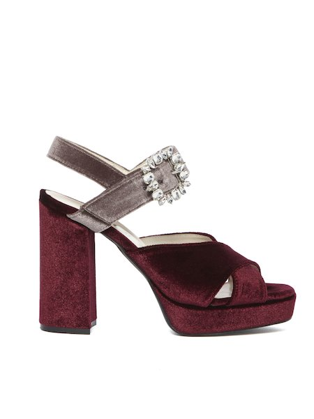 Velvet sandals with buckle