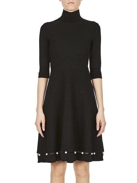 Шерстяное платье с жемчужинами