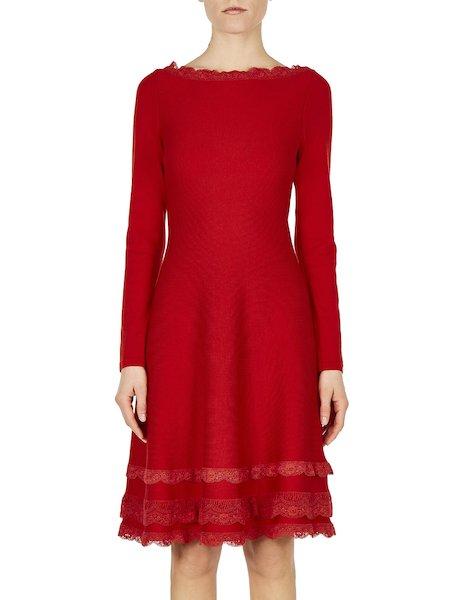 Трикотажное платье с кружевом