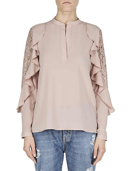 Blouse with flounces and lace