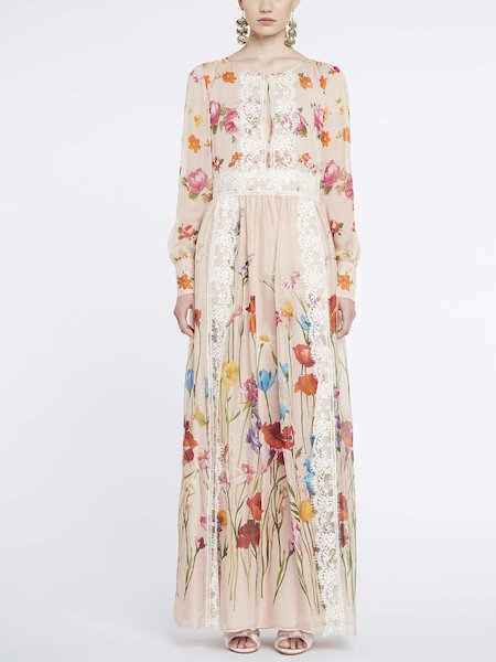 Long dress in floral print with lace