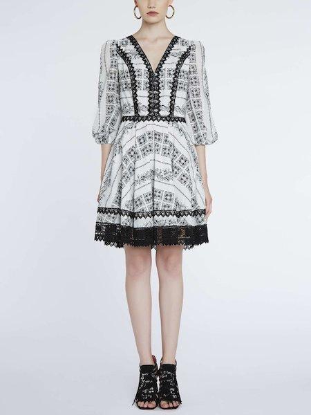 Bandana-print dress with lace