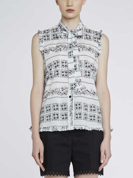 Sleeveless bandana-print shirt