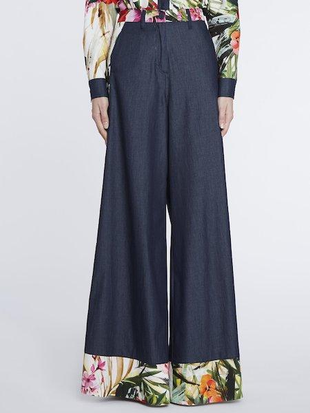 Pantalones de pata de elefante con estampado tropical - Multicolor
