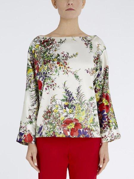Blusa con estampado de flores