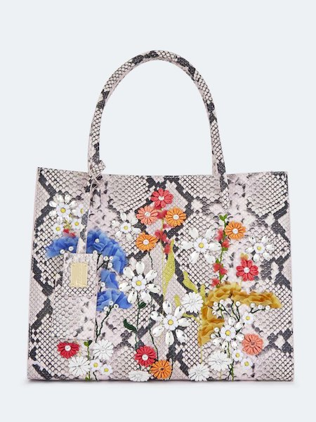 Shopping bag in snakeskin-embossed leather with flowers - pink