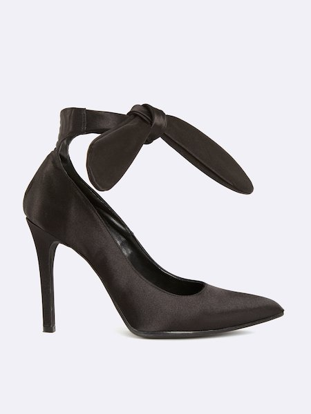 Satin pumps with stiletto heel and bow at the ankle - Schwarz