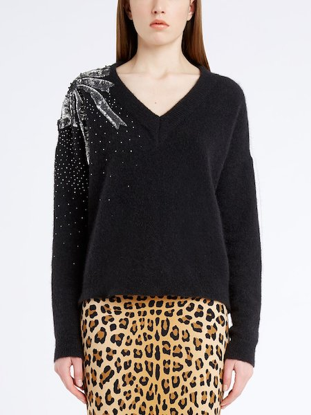 V-neck sweater with sequined bow