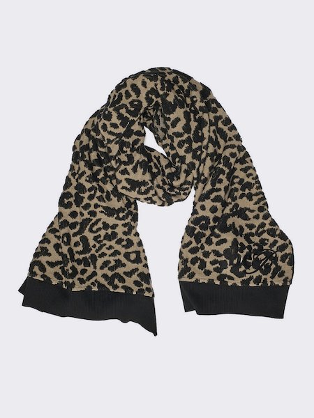 Scarf in jacquard knit