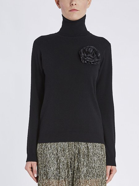 Turtleneck sweater with floral application