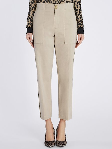 Pantaloni Cropped Con Piping Laterale