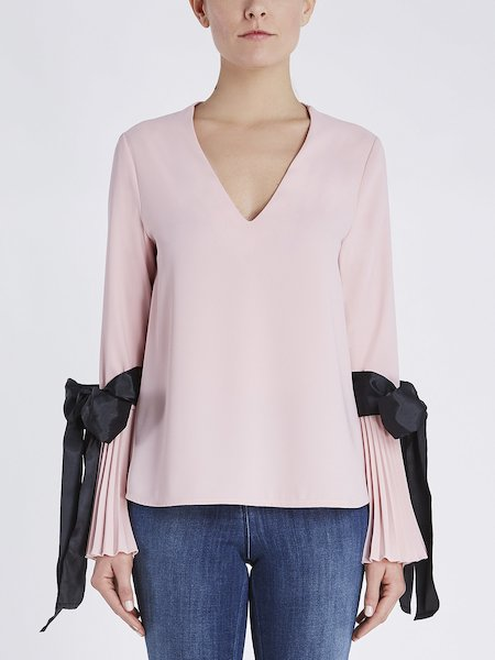 Blouse with pleats and ribbons - pink