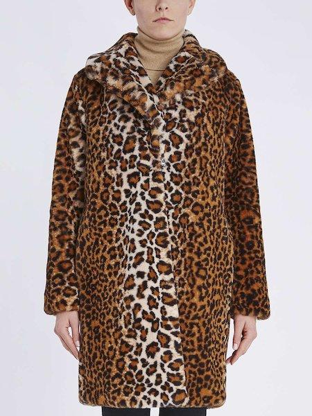 Пальто из экологического меха с животным принтом