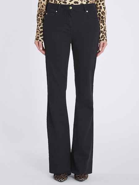 Bell-bottom trousers with push up effect