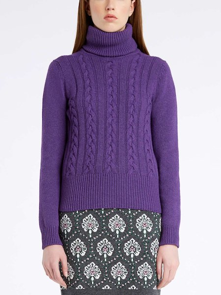 Turtleneck sweater with cable stitch work