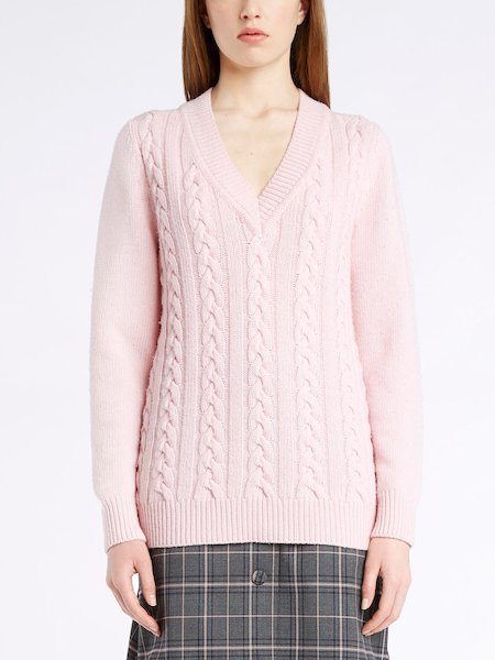 V-neck sweater with cable stitch work