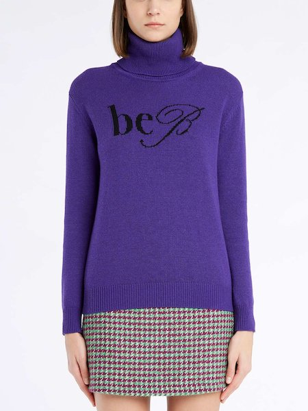 Sweater with turtleneck and logo