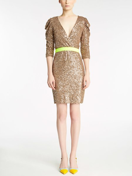Dress with three-quarter length sleeves and sequin embroidery