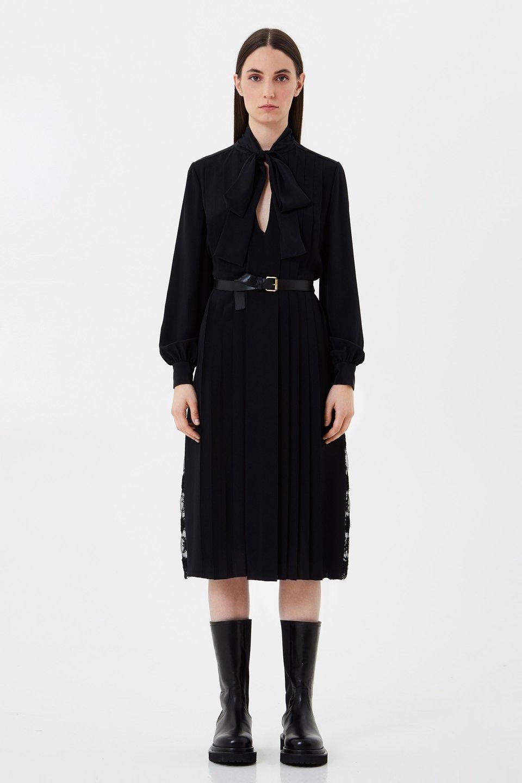 Vestido en crepé de China