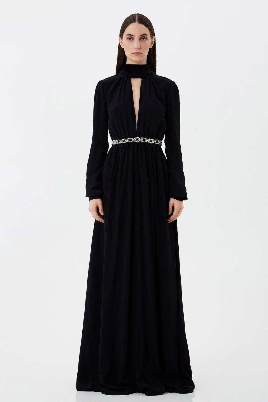 Vestido largo con bordado de strass