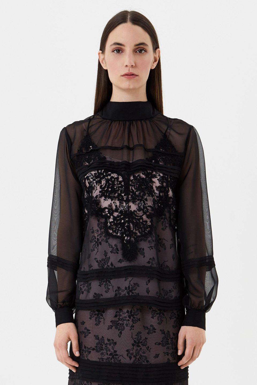 Chiffon blouse with lace
