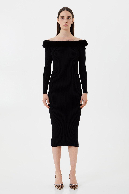 Трикотажное платье с норковым мехом