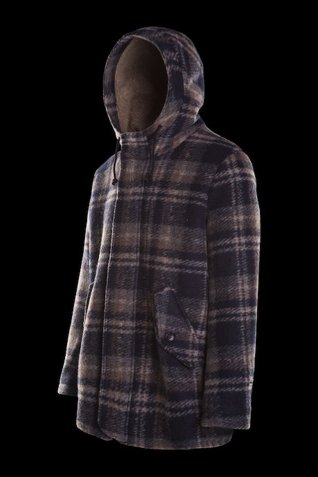 Coat with hood check pattern