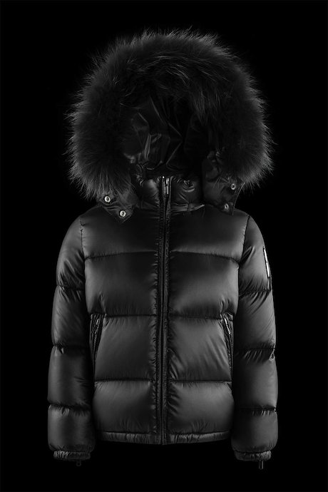 Down jacket with coloured fur inserts