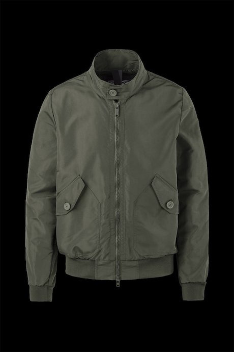 Bomber with pockets with button
