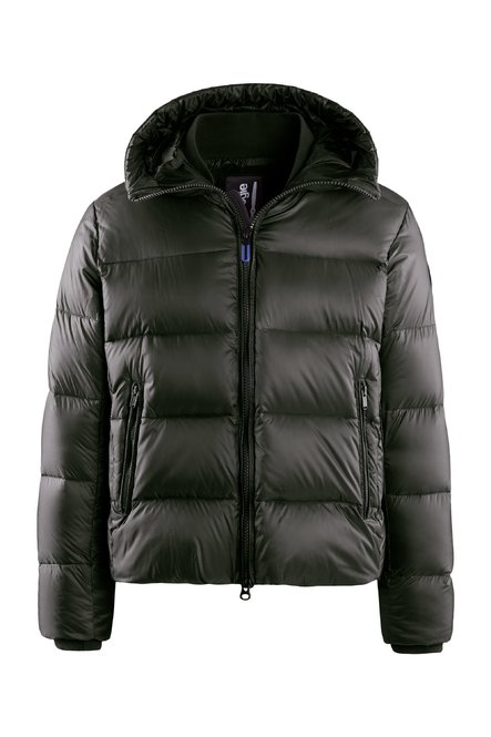 Down jacket in nylon ripstop