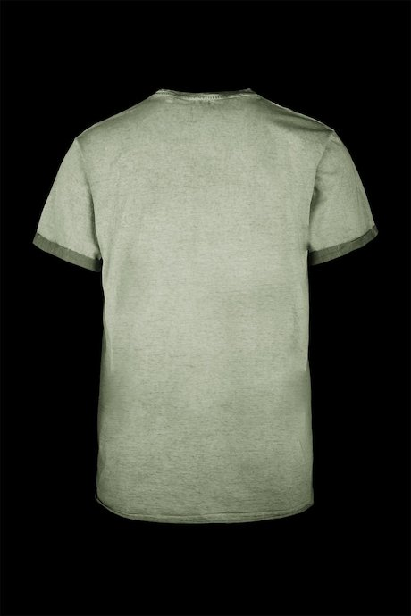 T-shirt cold dyed with turn-ups