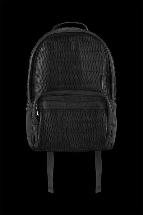 Quilted backpack made of 3D mesh with polyester inserts and applied pocket