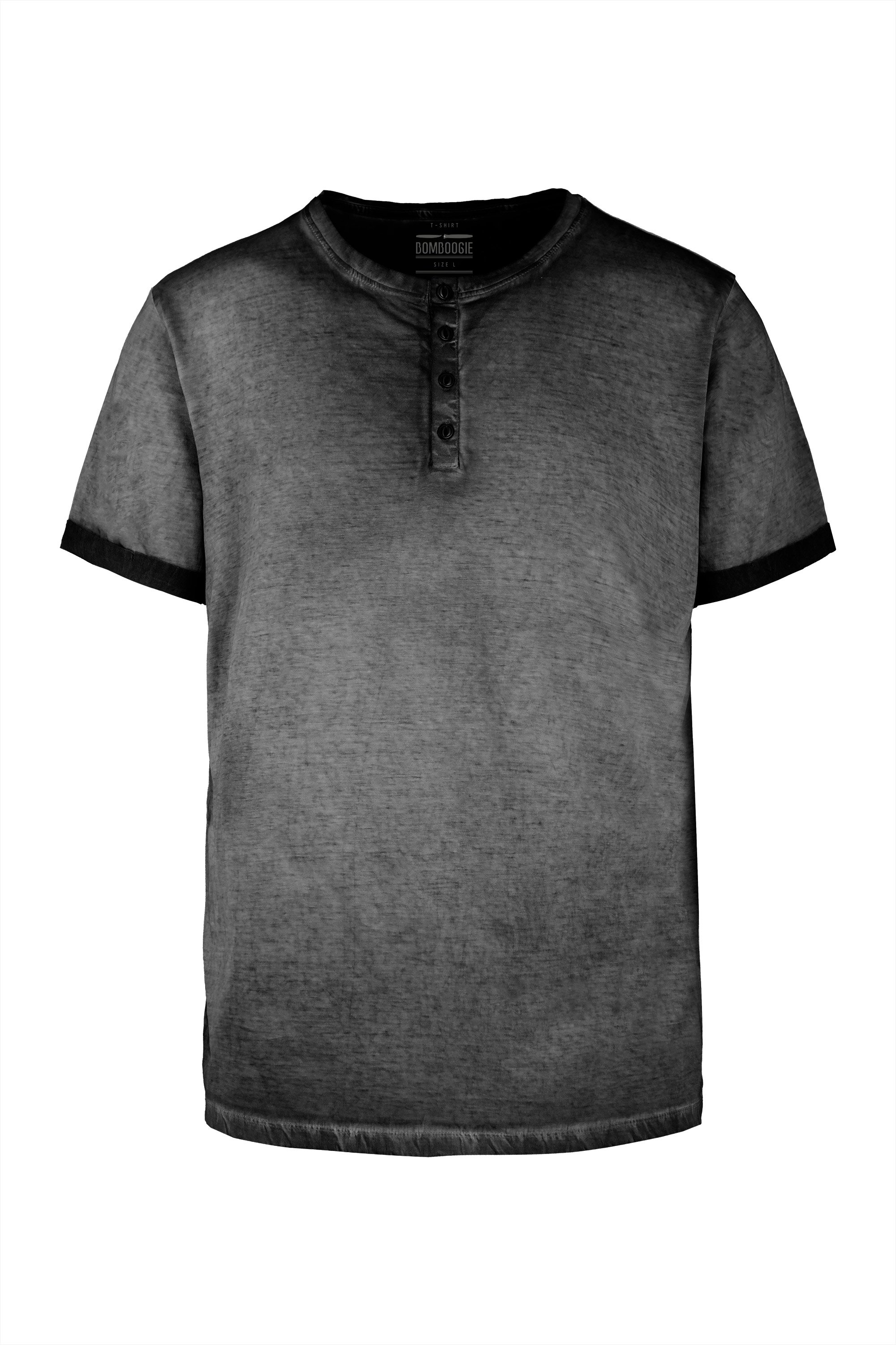T-shirt cold dyed with buttons
