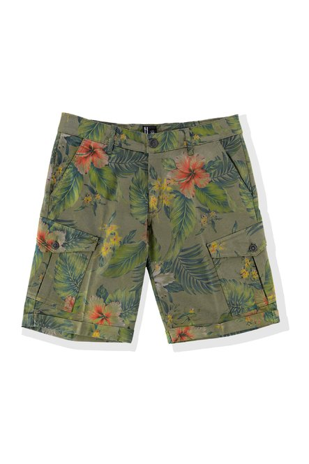Floral print shorts with floral pockets