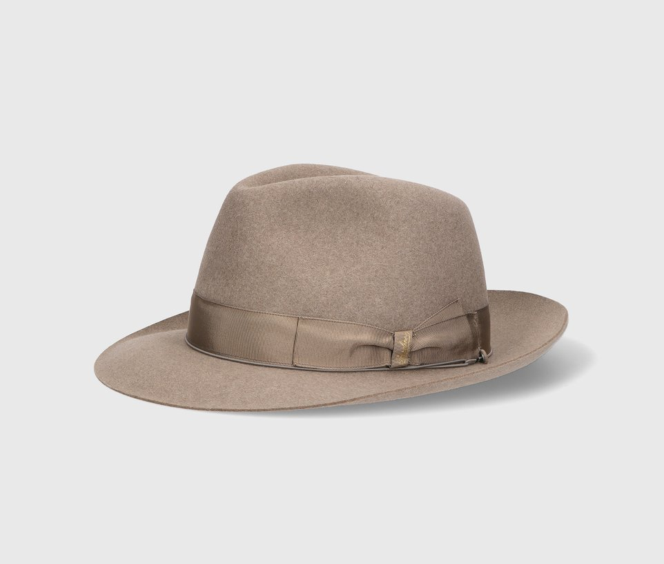 Anello, medium-brimmed