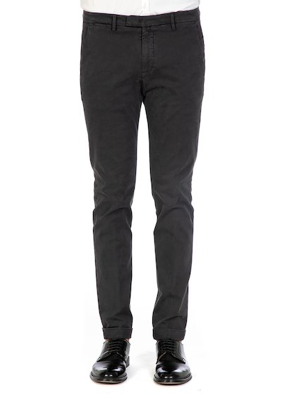 Pantalone tasca america slim fit con risvolto in gabardine comfort