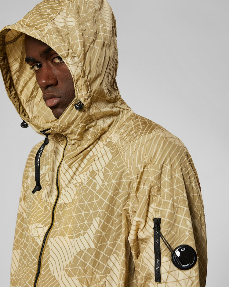 Camo Net Lens Jacket in Kelp