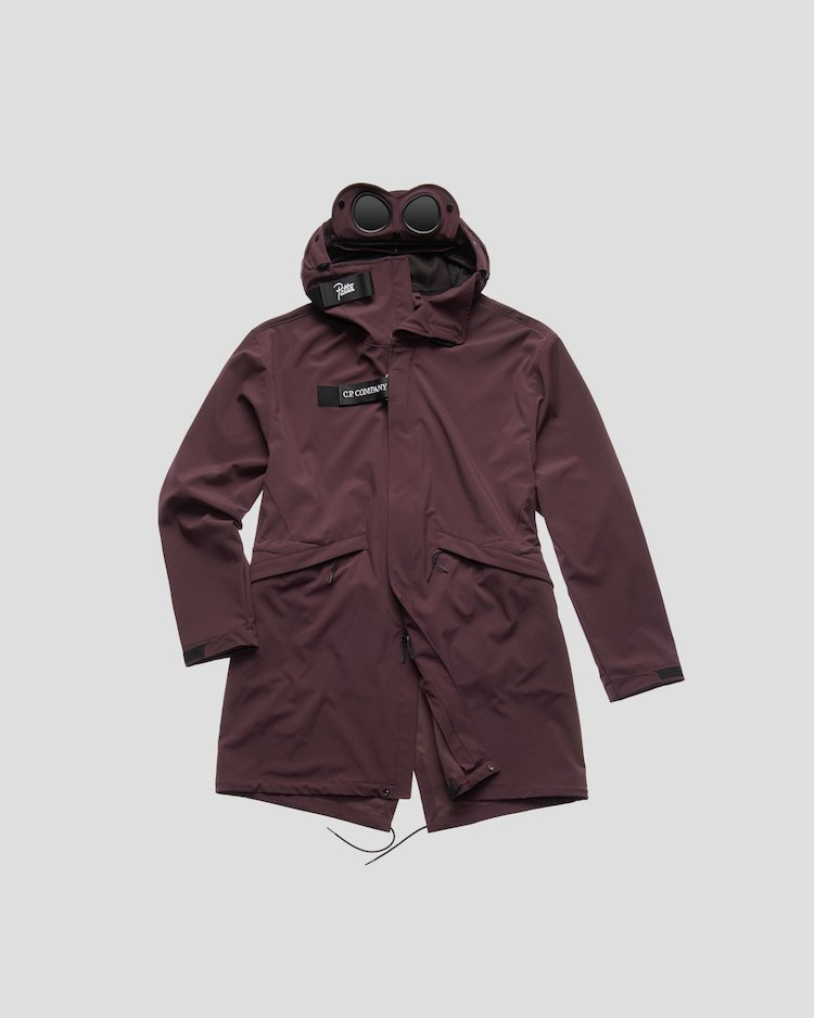 C.P. Shell Fishtail Parka in Raisin 19-1606 TCX