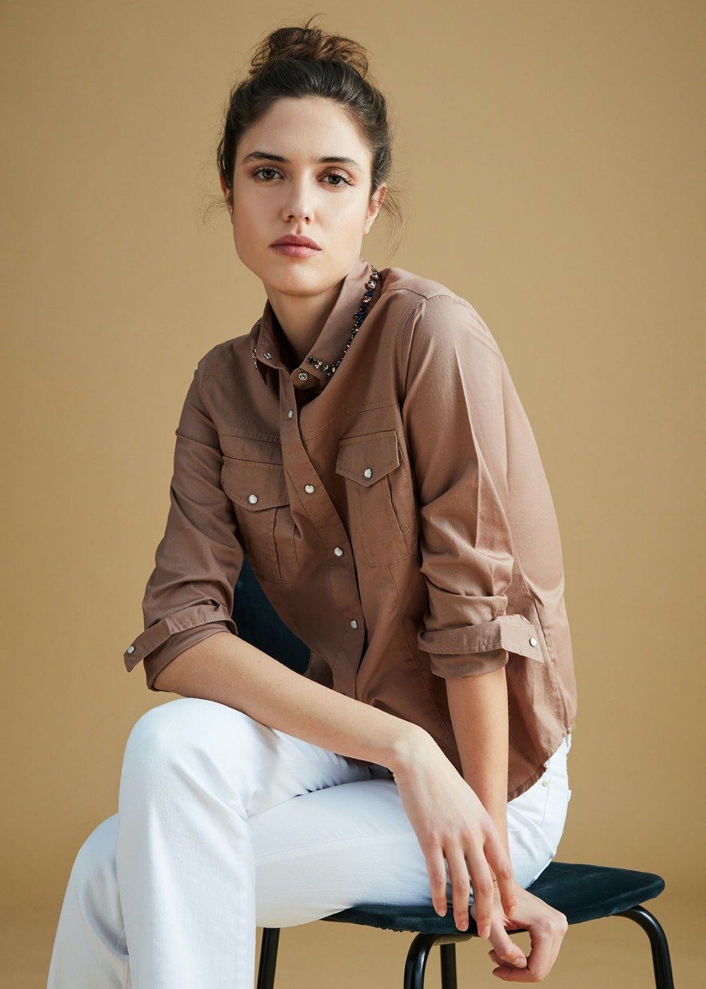 Chelsey shirt with decorated collar - Camel - Woman