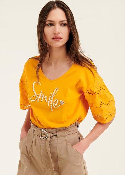 T-shirt Sirya con scritta perle
