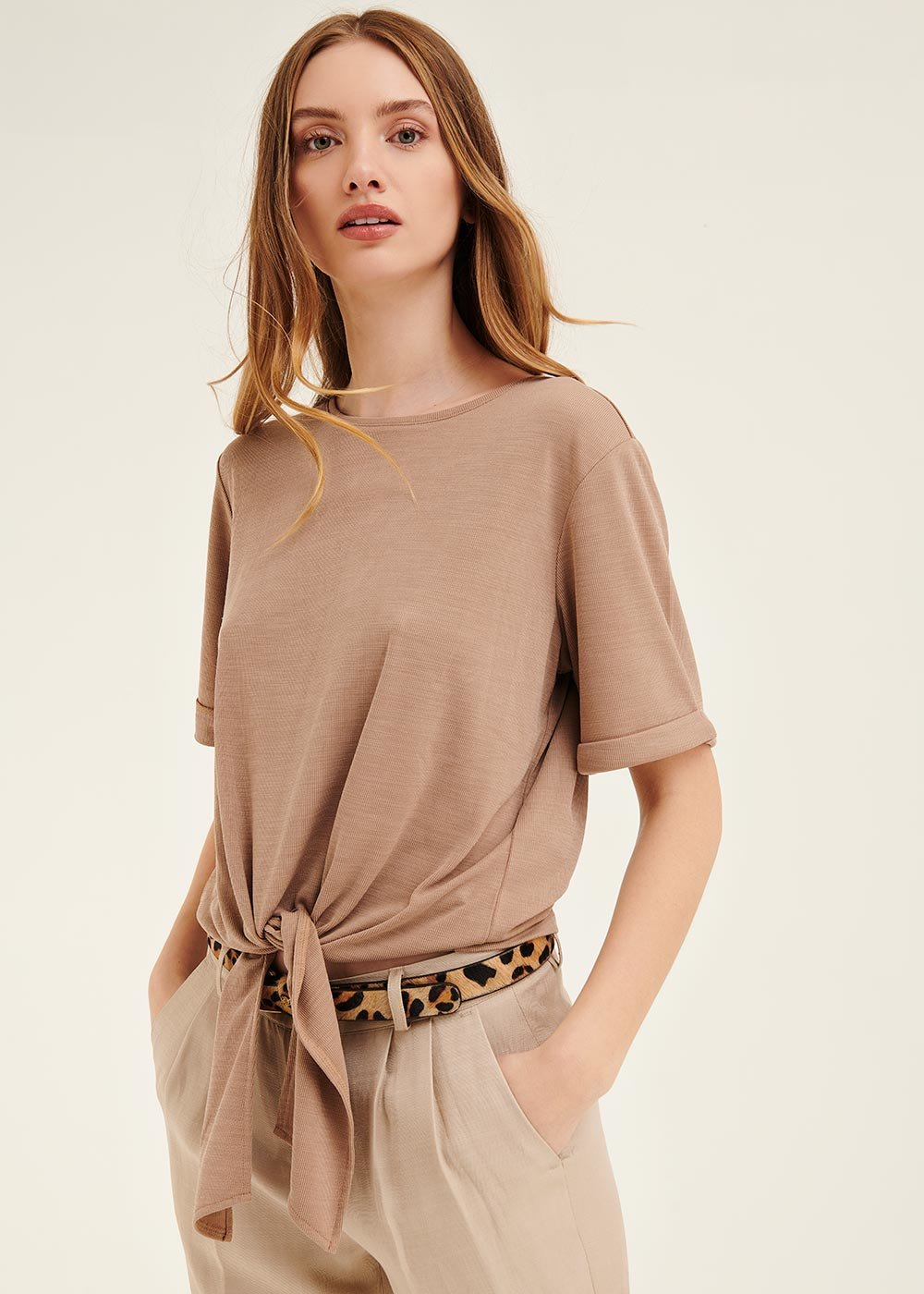 Stephanie t-shirt with bow at hem - Taupe - Woman