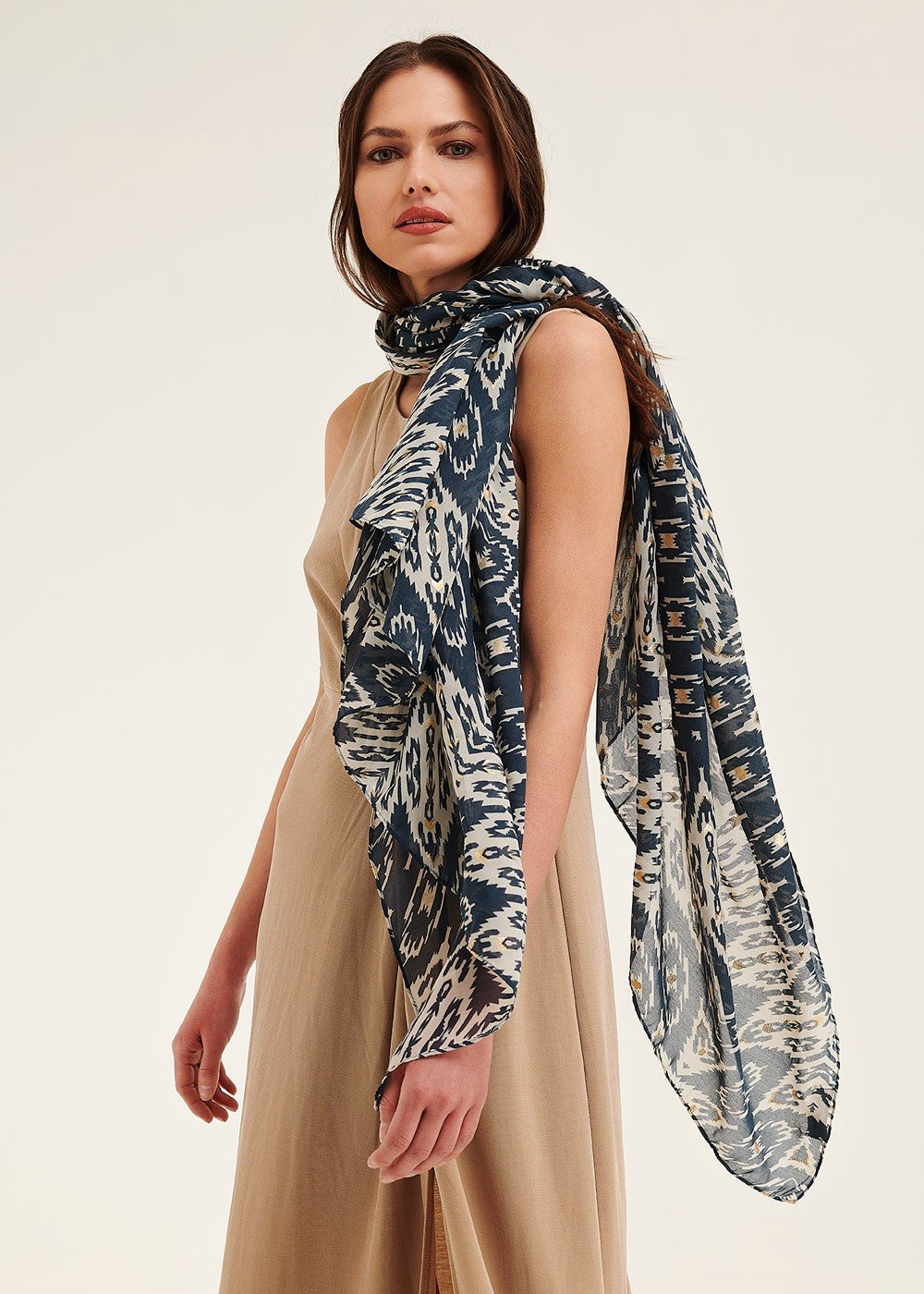 Sonny scarf with ethnic pattern - Oltremare / White Fantasia - Woman