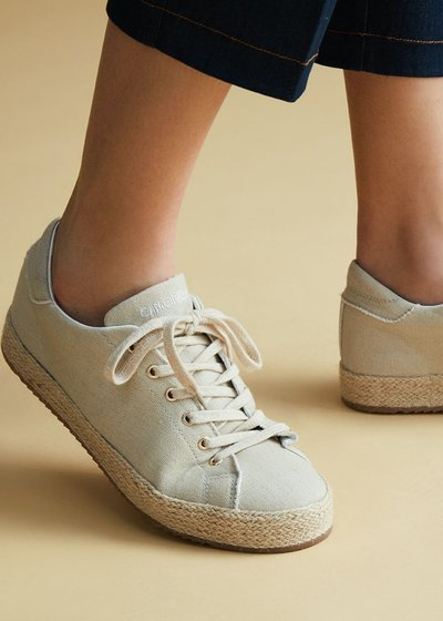 Shelly canvas shoe with straw sole