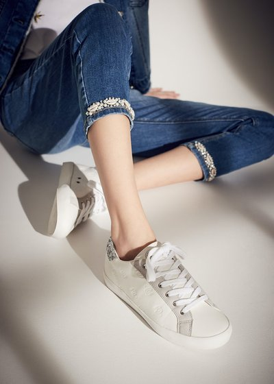 Suzy sneakers with logo